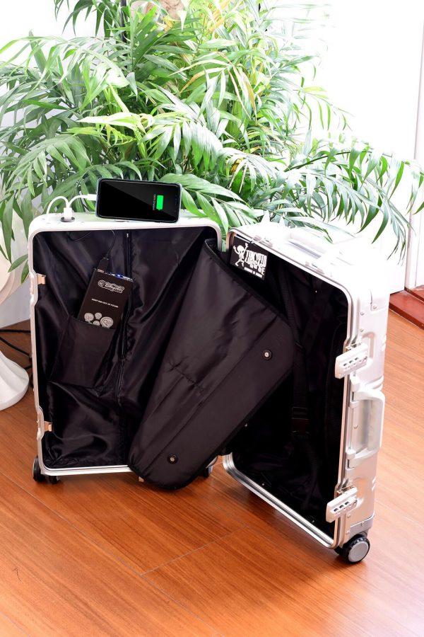 Interior de Maleta de Aluminio Powerbak Tokyoto Luggage