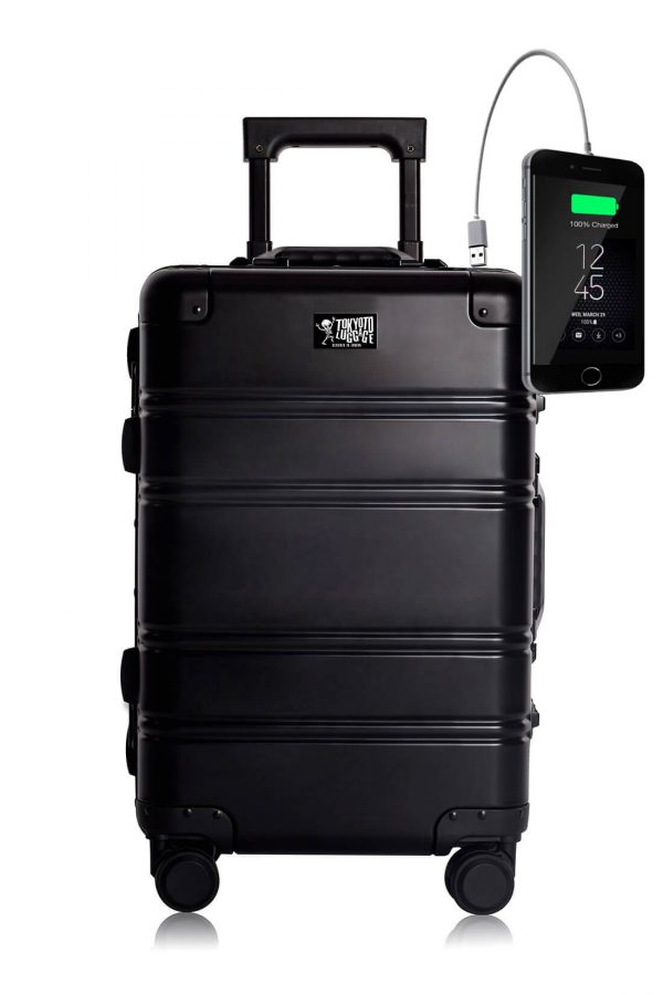 Maleta de Cabina de aluminio con Cargador para Movil Black Logo Tokyoto Luggage 1