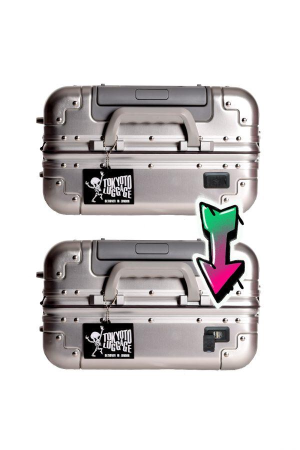 Maleta Aluminio Silver Skull Detalle Powerbank